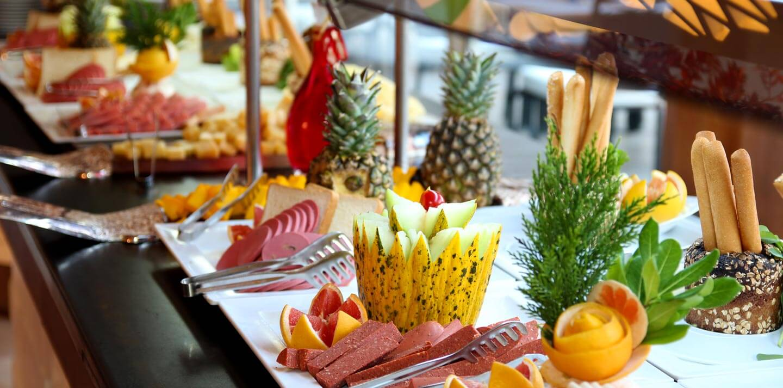 resort-style buffet