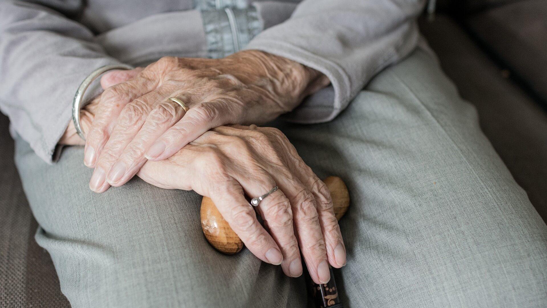 hands of an elderly woman