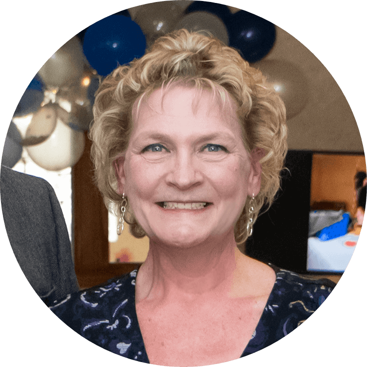 Kim Spicer is the Dining Room Supervisor at Walnut Grove in Omaha, Nebraska.